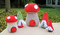 Ravelry: Little Gnomes with Mushrooms Houses Amigurumi pattern by Sayjai Thawornsupacharoen