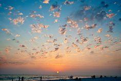Google Image Result for http://hiddentraveltreasures.com/wp-content/uploads/2011/01/Siesta-Key-Beach-at-Sunset.jpg