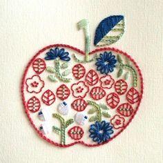 はなりんご 色違い #紙刺繍 #刺繍 #イラスト #embroidery #paperembroidery #illustration