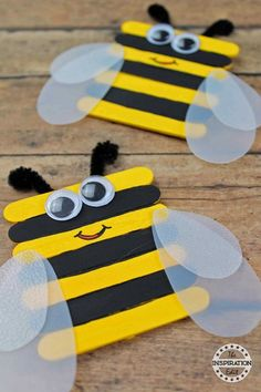 Bumble Bee Craft Preschool Kids Will Love · The Inspiration Edit - Super Easy Bumble Bee Preschool Craft · The Inspiration Edit You are in the right place about craft - Insect Crafts, Bug Crafts, Daycare Crafts, Classroom Crafts, Camping Crafts, Craft Stick Crafts, Bee Crafts For Kids, Preschool Art Projects, Spring Crafts For Kids