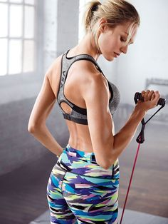 With maximum support, seamless technology & comfy padded straps, the Incredible works as hard as you do. | Incredible by Victoria's Secret Sport Bra
