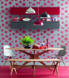 ALEGRIA, ALEGRIA   Vamos dar uma animada na decoração da copa? O papel de parede vibrante é uma boa alternativa para mudar o visual do ambiente. #inspiracao #decoracao #copa #SpenglerDecor