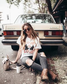 Improve How You Look With These Great Fashion Tips Girl Photography Poses, Lifestyle Photography, Fall Outfits, Cute Outfits, Family Picture Outfits, Photoshoot Inspiration, Autumn Winter Fashion, Vintage, Fashion Tips