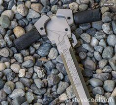 Avalanche Charging Handle | GUNSANDTACTICS.COM