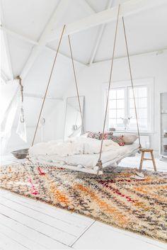 unusual bedroom solu...
