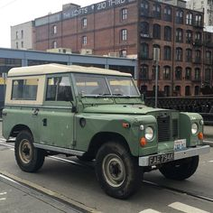 Land Rover #landroverdefender #patina #seattle #pioneersquareseattle by bernie_alonzo Land Rover #landroverdefender #patina #seattle #pioneersquareseattle