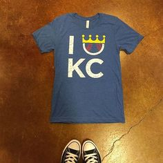 || forever royal ⚾️ ($30). #frankieandjules #fnjstyle #shopfnj #kcstyle #royals #royalsbaseball #openingday #openingday #kc #baseball #cowtown #crowntown #whatimwearing #whatimwearingtoday #ootd #midwestisbest #midwestblogger #midwestdressed #stadiumstyle #kauffmanstadium #lemonadelemonade #bucknight #converse #baseballtee #outfitinspiration #outfitinspiration #streetstyle