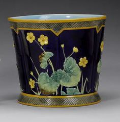 A rare George Jones majolica jardiniere circa Glazes For Pottery, Ceramic Pottery, Pottery Art, George Jones, Flower Boxes, Earthenware, Vintage Decor, Antique Furniture, Amazing Art