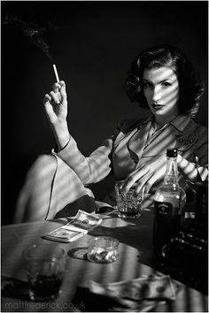 Film Noir - Portrait - Smokey - Black and White Photography Beau Film, Foto Portrait, Portrait Photography, Photography Lighting, Photography Ideas, Office Film, Smoking Noir, Hard Boiled Detective, 3d Foto