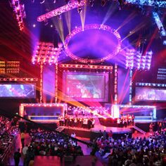 Get your customers' attention by connecting with eSports Agency and Sponsorship by expanding your territories as business grows. Online streaming and live events sponsors welcome! Sports Marketing, The Next Big Thing, Live Events, Media Design, Extreme Sports, Esports, Ufc, Branding, Brand Identity
