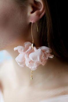 Pink Earrings, Flower Earrings, Beaded Earrings, Etsy Earrings, Fabric Earrings, Champagne Wedding Flowers, Wedding Earrings, Bridal Accessories, Jewelery