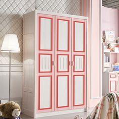 Белый детский шкаф с красным и розовым обрамлением в комнату для девочки трехдверный купить в интернет-магазине мебели https://lafred.ru/catalog/catalog/detail/41944831575/