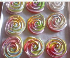 Recipe Rainbow Meringue Roses by Dutchgirl, learn to make this recipe easily in your kitchen machine and discover other Thermomix recipes in Baking - sweet. Thermomix Desserts, Dessert Recipes, Rose Meringue Cookies, Bellini Recipe, Eid Party, Rainbow Roses, Small Cake, Recipe Community, Bake Sale