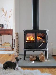 Een kachel brengt warmte en staat gezellig, een echte eyecatcher in huis. Kies een gaskachel of houtkachel, modern of klassiek en maak het af met hout.