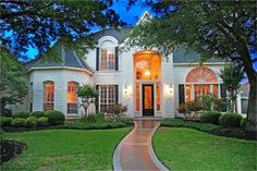 $390000 100% brick custom built home in cul-d-sac of Spring Creek Oaks in Spring Texas. Exquisite dual staircase, hardwood floors downstairs. Gameroom upstairs. Both formals, Covered patio opens up to swimming pool w/waterfall. Klein School. http://www.amandahomes.com