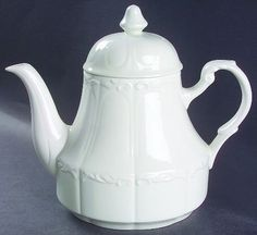 Meakin, J & G Sterling Colonial Teapot & Lid. I bought it for $3.00.