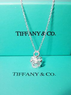 Website For Discount Tiffany Jewelry! Super Cheap! All Sale 88% off now.$9.99 http://shamelessjewelme.tumblr.com/
