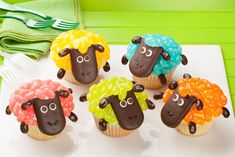 Bake these adorable cupcakes and add Jelly Belly® jelly beans to make colorful creations for the spring. Use your favorite box mix or homemade recipe, and follow our instructions at the link below.