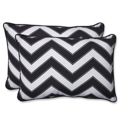 We crafted this black and white chevron-printed outdoor set of two rectangular throw pillows to stand as a superbly crafted, modern and on-trend accompaniment. Outdoor Cushions And Pillows, Patio Furniture Cushions, Buy Pillows, Outdoor Settings, Perfect Pillow, Throw Pillow Sets, Indoor Outdoor, Chevron, Black And White