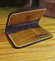 Simple Cowhide Leather Wallet - Round Edges | Men's Accessories | Sandast | Scoutmob Shoppe | Product Detail