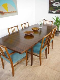 Immaculate Large Designer Mid Century Extending Dining Table by Vanson