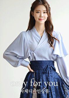 Oriental Style, Oriental Fashion, Asian Fashion, Korean Clothes, Korean Outfits, Korean Traditional Dress, Traditional Dresses, Chinese Clothing, Beautiful Blouses