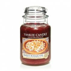Sweet Potato Pie from Yankee Candle's 2013 Thanksgiving Collection: A crave-worthy delight . yummy mashed sweet potato filling baked with nutmeg and vanilla. Fall Scents, Home Scents, Yankee Candle Scents, Yankee Candles, Candle Lanterns, Candle Jars, Candels, Potato Pie, Mashed Sweet Potatoes