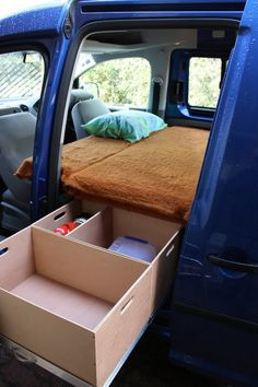 Caddy Life Camper - Bed - From Rear Photo: This Photo was uploaded by SkildCaddy. Find other Caddy Life Camper - Bed - From Rear pictures and photos or . Camper Beds, Car Camper, Mini Camper, Camper Life, Camper Van, Micro Campers, Minivan Camping, Auto Camping, Station Wagon