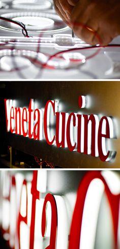 Insegna luminosa a led per Veneta Cucine #Remor