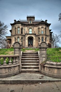 I wouldn't abandon this beauty. Abandoned at 703 Hall St.,Saint Joseph, Buchanan County, Missouri (Adam N. Schuster House)