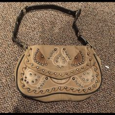 Tribal Print Bag Awesome suede like tribal bag! Inside is cheetah pattern to! Smaller sized bag so great for a night out when you only need to carry a few things Bags