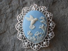 2 in 1 - Hummingbird and Flowers Cameo Brooch/Pin/Pendant Beautiful Detail and Great Quality!!! Spring, Summer, Unique, Humming Bird - pinned by pin4etsy.com