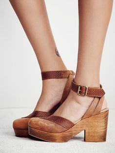 4b24cb06204e7 57 best Shoe love images on Pinterest
