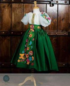 Girls Dresses Sewing, Little Girl Dresses, Flower Girl Dresses, Mom Dress, Baby Dress, Baby Girl Fashion, Kids Fashion, Mother Daughter Dresses Matching, Baby Girl Dress Patterns