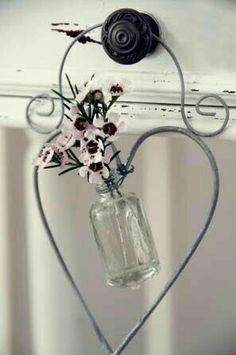 Wire Crafts, Diy And Crafts, Wire Hanger Crafts, Wire Wrapped Jewelry, Wire Jewelry, Valentine Crafts, Valentines, Ideias Diy, I Love Heart