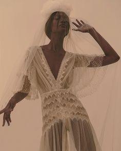 Black bride pride by Magpie Wedding Beauty Fotos, Andrea Conti, Haute Couture Paris, Photographie Portrait Inspiration, Look Boho, Fashion Sketchbook, Black Girl Aesthetic, Fashion Poses, Fashion Fashion