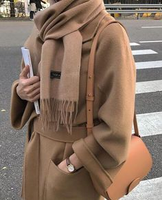Herbst – Winter – Herbst – Acne Studios – A / W 18 – FW 18 – Inspiration – Mode -… - Mode Herbst Fashion Mode, Look Fashion, New Fashion, Fashion Outfits, Womens Fashion, Fashion Trends, Hijab Fashion, Rare Fashion, Fashion Boots