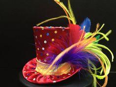 Arco iris circo carnaval sombrerero loco Mini Top Hat
