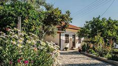 #Experience a #Greek #summer in #Lefkada  in a cosy #traditional #house ! . https://ift.tt/2J3l2tb . #Vacation #visitlefkada #holidays #garden #instapic #instatravel #instaphoto #familyvacation #familyholiday