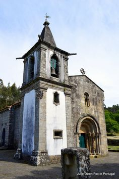 Description and tips for walking the 2-day section of the central Portuguese Way of St. James from Ponte de Lima to Valença in Portugal.