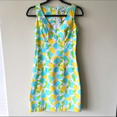 "Lilly Pulitzer Dress Lilly Pulitzer floral sleeveless dress. Back zipper.  Condition: NWOT, never worn perfect condition.  Size: 0 Measurements: length 34"", arm to arm measures 14"" across Reasonable offers welcome made via the Offer button Bundle discount available (20% off 3+ items) No trades/off Posh transactions/modeling Lilly Pulitzer Dresses Mini"
