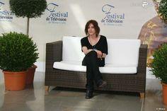 Kate Moennig pose pour le photocall de The L Word durant le 49ème Festival télé de Monte-Carlo le...