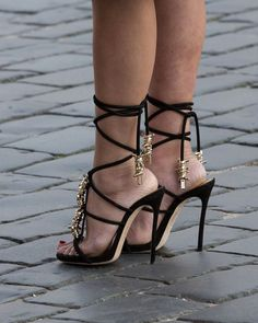 ☆-Black~n~Gold Strappy Heels -☆ Sexy Legs And Heels, Platform High Heels, Black High Heels, High Heel Boots, Gold Strappy Heels, Black Stiletto Heels, Ankle Strap Heels, Ankle Straps, High Heels Images