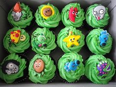 plants vs. zombies cupcakes...I know what Shelby wants now!!!!!