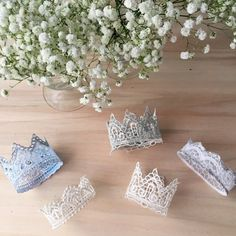 step by step tutorial for handmade lace crowns (Italian blog)