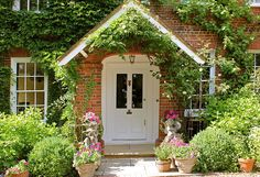 English Charmer - Home Bunch – Interior Design Ideas Cute Cottage, Cottage Style, Tudor Cottage, Cottage Living, English Country Cottages, Front Entrances, Best Places To Live, Front Door Decor, Luxury Interior Design