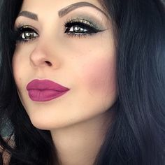 perfect winged liner and a bold pink lip. softer contour and easy eyeshadow makeup.