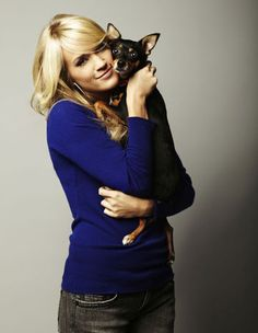 Carrie Underwood, Chelsea Bain and Gwen Sebastian talk about touring with their dogs. #carrieunderwood