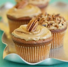 The burnt-sugar flavor of caramel of these cupcakes pairs so well with mellow notes of the frosting. If you like, top them with toasted chopped opecans (or pecan halves) to balance the sweetness. Butterscotch Frosting Recipe, Butterscotch Cake, Caramel Icing, Caramel Cupcakes, Frosting Recipes, Cupcake Recipes, Baking Recipes, Cupcake Cakes, Dessert Recipes
