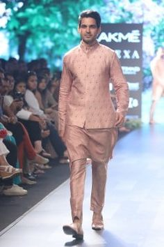 Featuring a rose pink kurta in silk base with pink dahlia print motifs. It is paired with matching pleated pants. FIT: True to size. CARE: Dryclean only. Indian Men Fashion, Mens Fashion, Business Casual Men, Men Casual, Best Smart Casual Outfits, Lakme Fashion Week, Pleated Pants, Designer Clothes For Men, Jackets Online